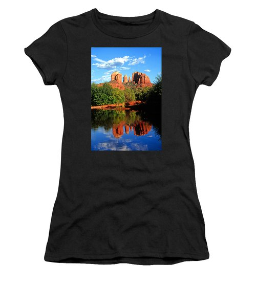 0464 Sedona Arizona Women's T-Shirt (Athletic Fit)