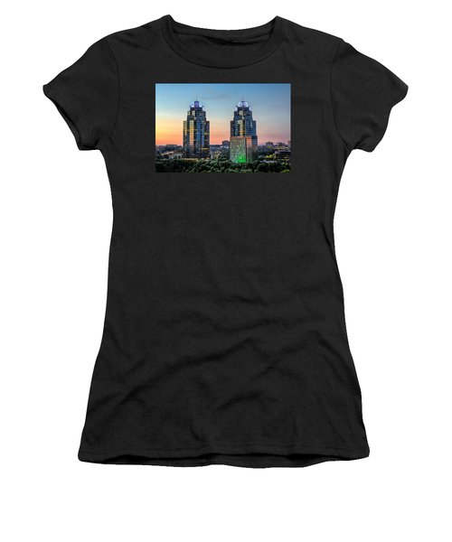 King And Queen Buildings Women's T-Shirt (Athletic Fit)