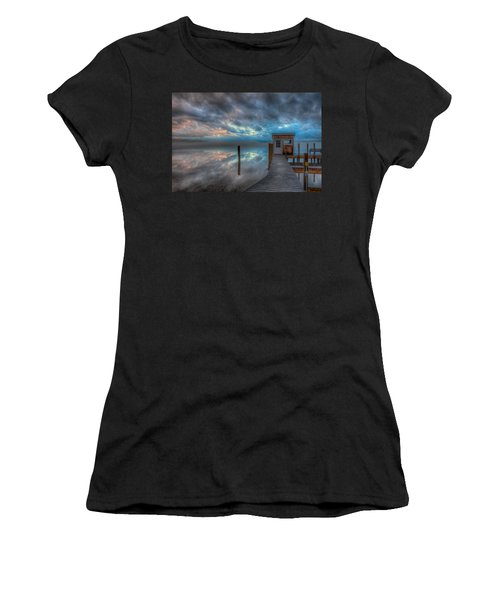 Melvin Village Marina In The Fog Women's T-Shirt (Athletic Fit)