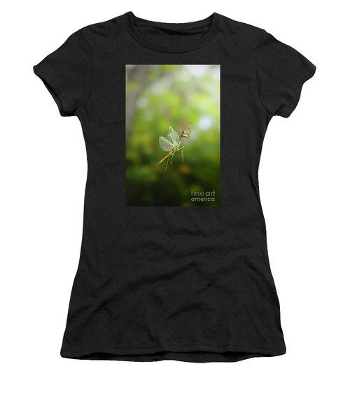 Praying Mantis In Flight Women's T-Shirt