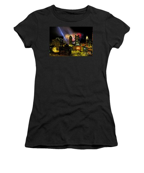 21l334 Red White And Boom Fireworks Display Photo Women's T-Shirt