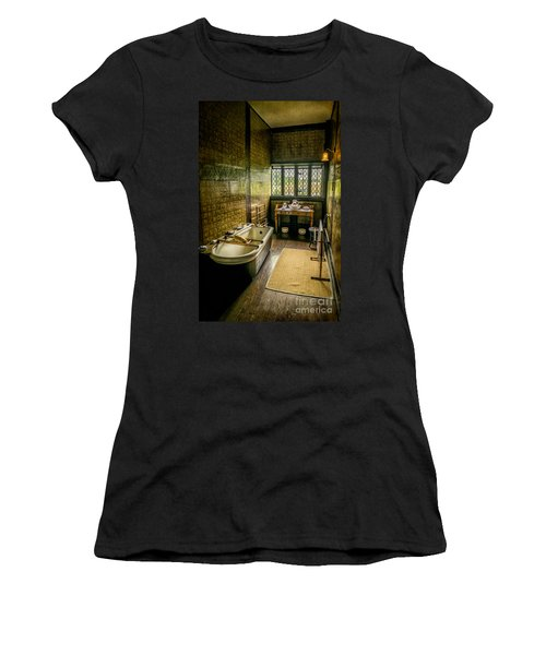 Victorian Wash Room Women's T-Shirt