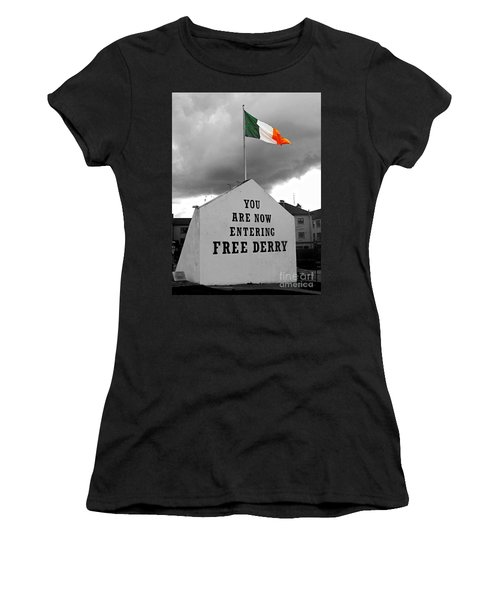 Free Derry Wall 1 Women's T-Shirt (Athletic Fit)