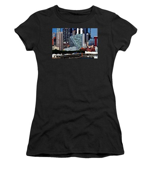 New York City Skyline With Mercedes House Women's T-Shirt (Athletic Fit)