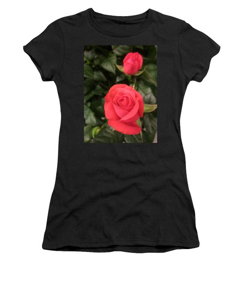 Roses In Red Women's T-Shirt