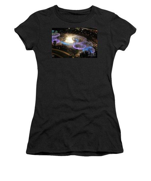 D101l-216 Scioto Mile Riverfront Park Fountain Photo Women's T-Shirt