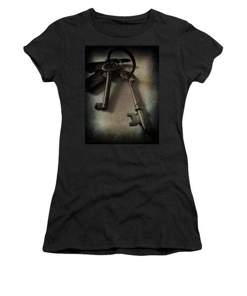 Vintage Keys Vignette Women's T-Shirt