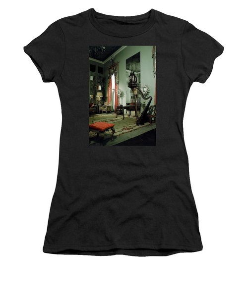 A Drawing Room Women's T-Shirt