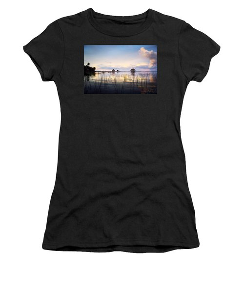Amazing Bay Sunset Women's T-Shirt (Athletic Fit)