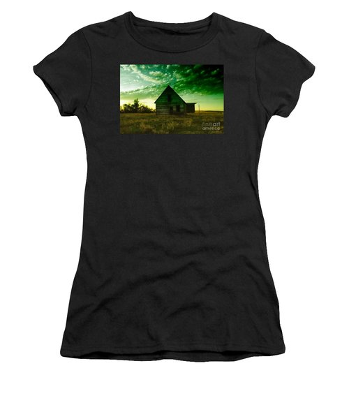 An Old North Dakota Farm House Women's T-Shirt (Athletic Fit)
