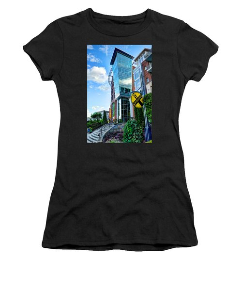 Art Crossing Women's T-Shirt