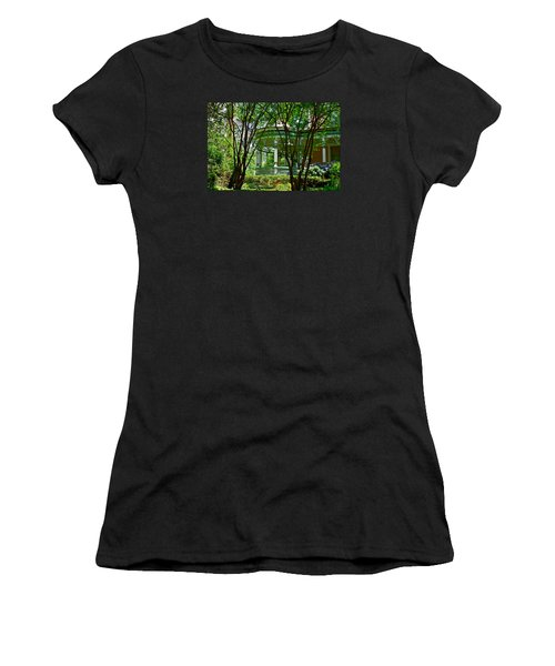 Awesome Victorian Porch Women's T-Shirt (Athletic Fit)