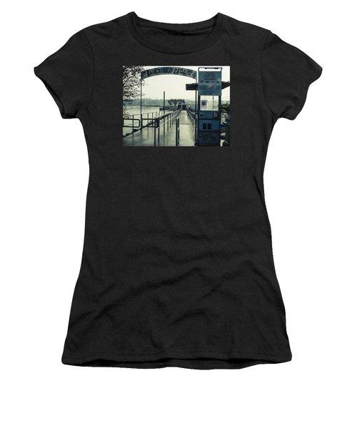 Bains Des Paquis Women's T-Shirt (Athletic Fit)