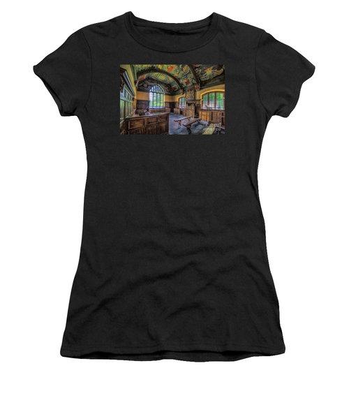Beautiful 17th Century Chapel Women's T-Shirt