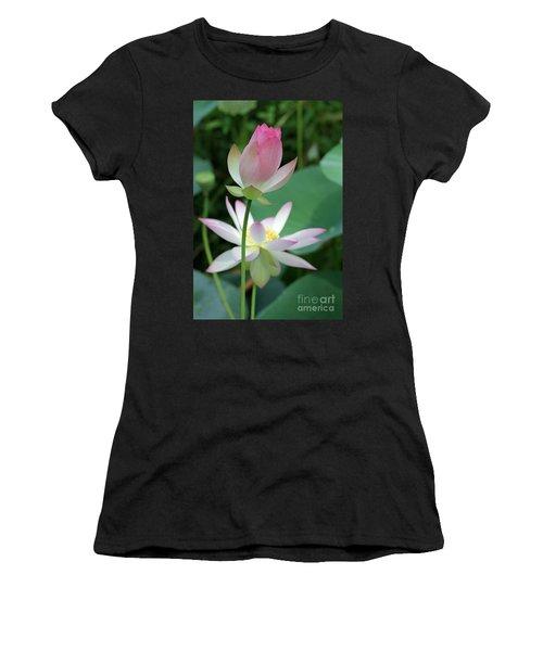 Beautiful Lotus Blooming Women's T-Shirt
