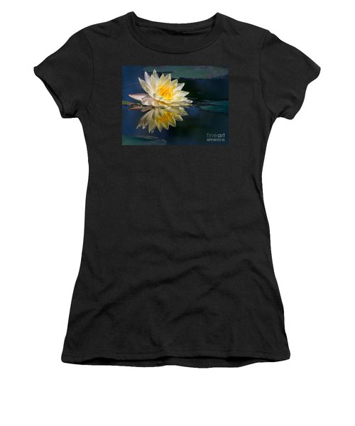 Beautiful Water Lily Reflection Women's T-Shirt