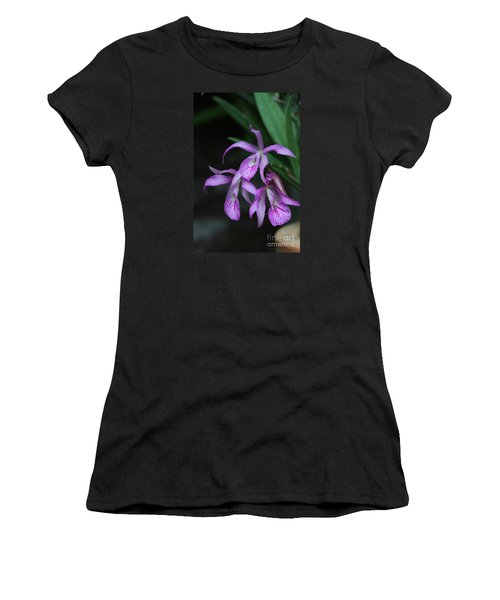 Brassanthe Maikai Orchid Women's T-Shirt (Athletic Fit)