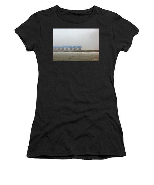 'brella Pattern Women's T-Shirt (Athletic Fit)