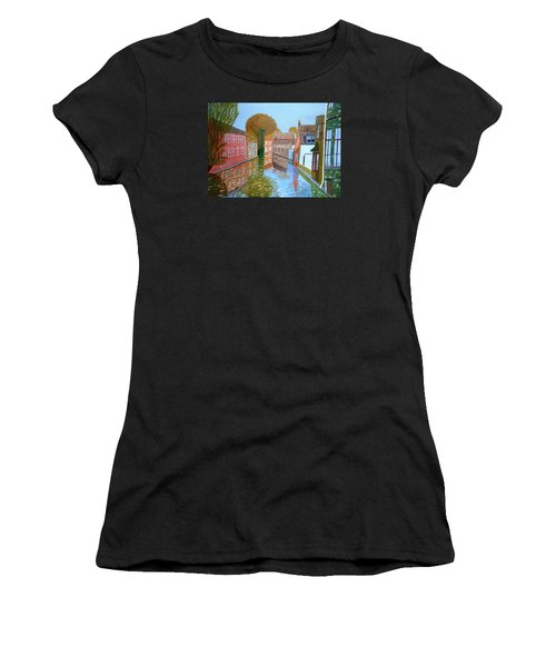 Brugge Canal Women's T-Shirt (Athletic Fit)