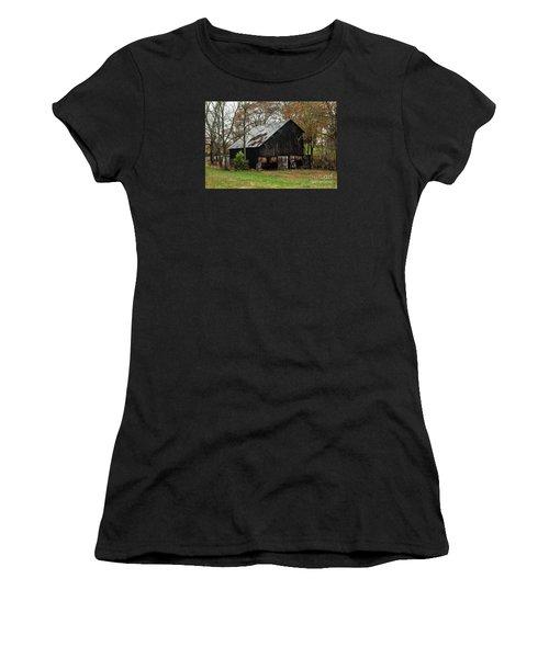 Women's T-Shirt (Junior Cut) featuring the photograph Burley Tobacco  Barn by Debbie Green