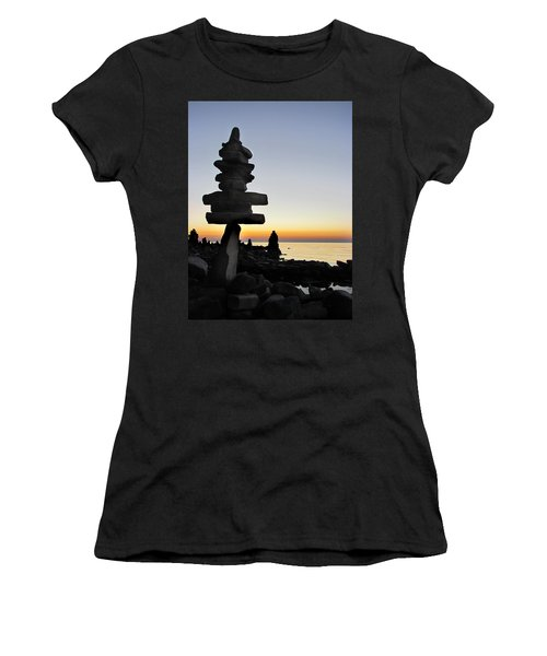 Cairns At Sunset At Door Bluff Headlands Women's T-Shirt