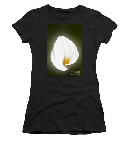 Calla Lily Flower Glow Women's T-Shirt