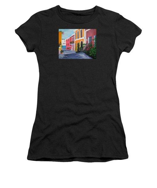 Callejon En El Viejo San Juan Women's T-Shirt (Athletic Fit)