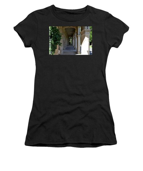 Captain Cook Museum Walkway Women's T-Shirt