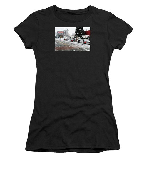 Carriage Ride Women's T-Shirt (Athletic Fit)