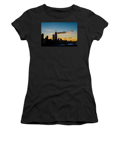 Chicago Skyline Silhouette Women's T-Shirt (Athletic Fit)