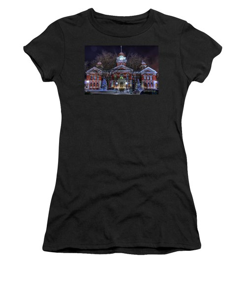 Christmas Courthouse Women's T-Shirt (Athletic Fit)