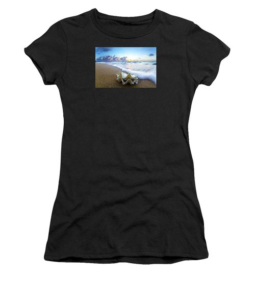 Clam Foam Women's T-Shirt (Athletic Fit)