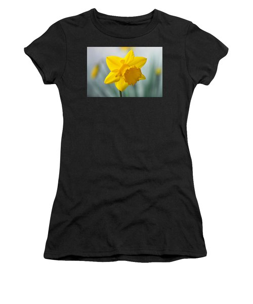 Classic Spring Daffodil Women's T-Shirt (Athletic Fit)