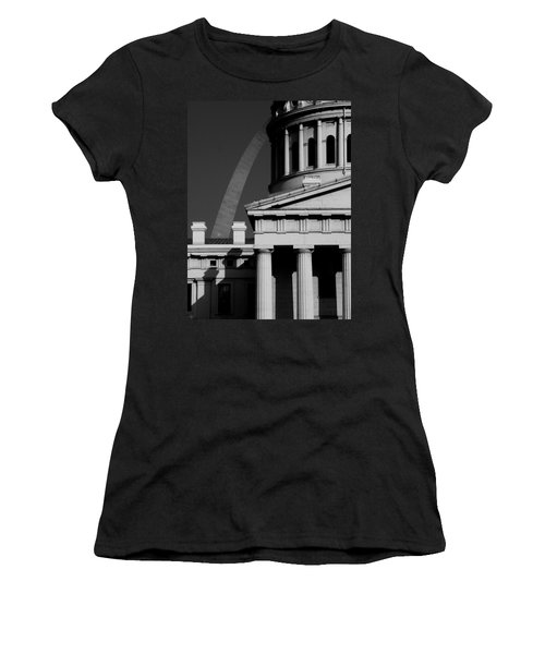 Classical Courthouse Arch Black White Women's T-Shirt