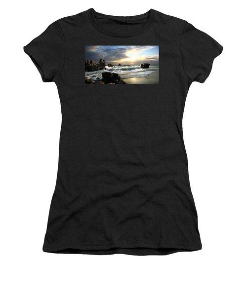 Corona De Oro Women's T-Shirt