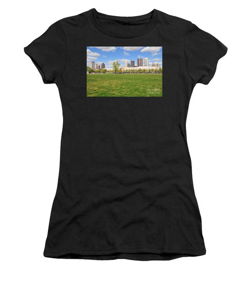 D7l-89 Cosi Columbus Photo Women's T-Shirt