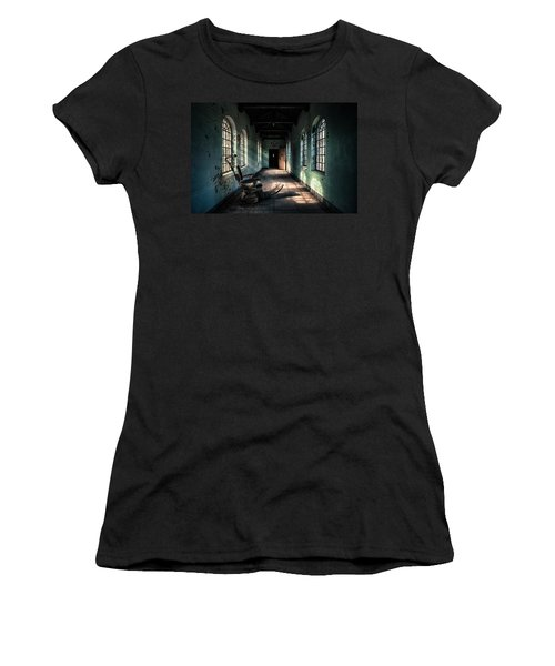 Dentists Chair In The Corridor Women's T-Shirt