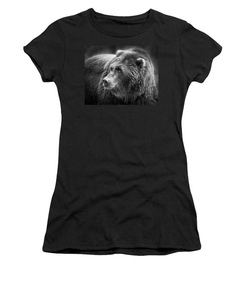 Drinking Grizzly Bear Black And White Women's T-Shirt (Athletic Fit)