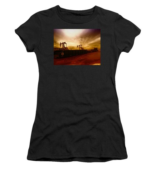 Dropping A Tank Women's T-Shirt (Athletic Fit)
