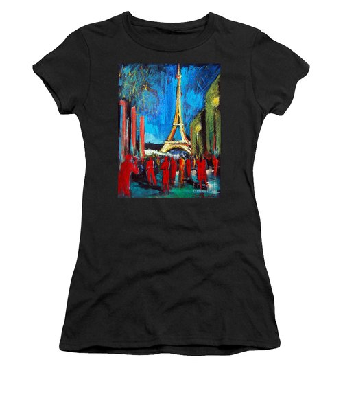 Eiffel Tower And The Red Visitors Women's T-Shirt