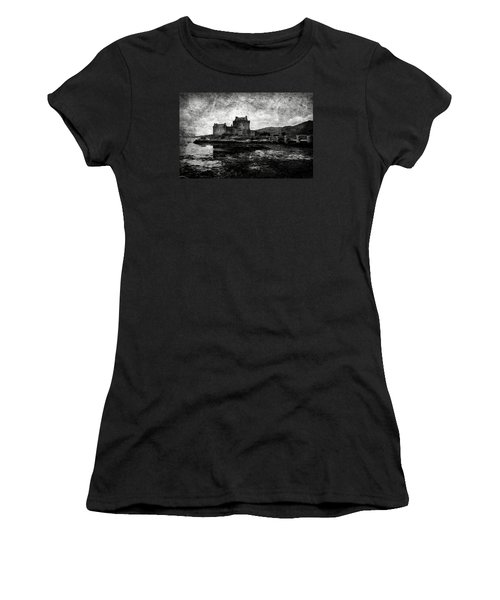 Eilean Donan Castle In Scotland Bw Women's T-Shirt (Athletic Fit)