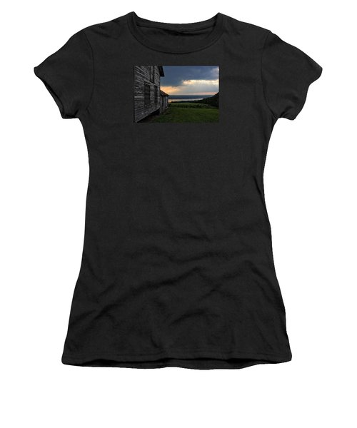 Evening Is Falling Women's T-Shirt (Athletic Fit)