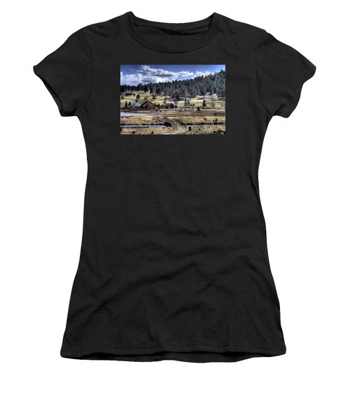 Evergreen Colorado Lakehouse Women's T-Shirt (Athletic Fit)