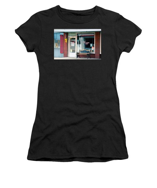 Floyd's Barber Shop Nc Women's T-Shirt (Athletic Fit)