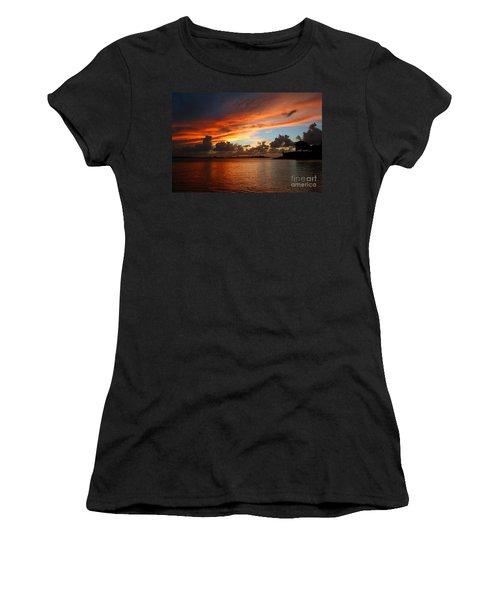 Garita En Atardecer Women's T-Shirt