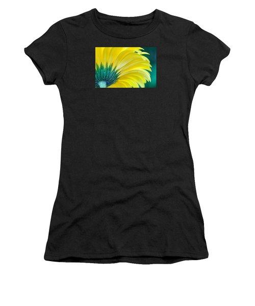 Gerber Daisy Women's T-Shirt