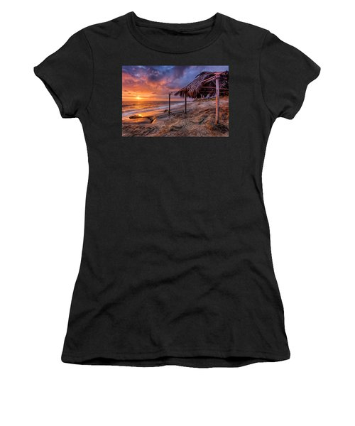 Golden Sunset The Surf Shack Women's T-Shirt (Athletic Fit)