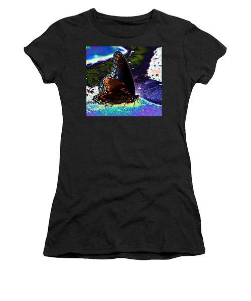 Gona-fly-butterfly Women's T-Shirt