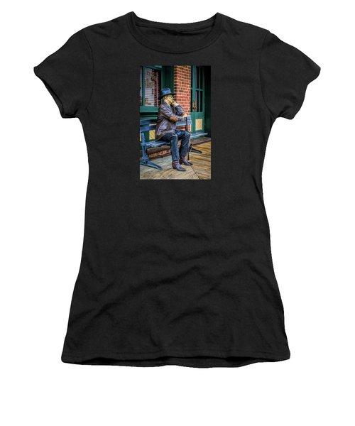 Grapevine Cowboy Women's T-Shirt (Athletic Fit)