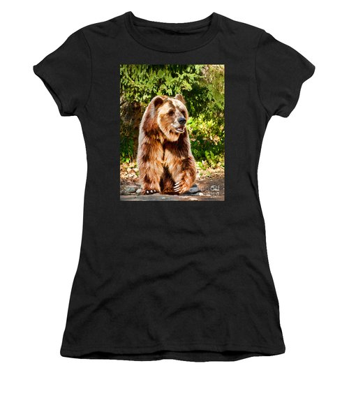 Grizzly Bear - Painterly Women's T-Shirt (Athletic Fit)